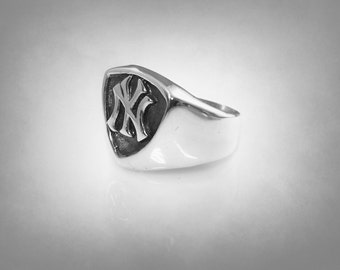 NEW YORK YANKEES mans 925 sterling silver ny  logo ring