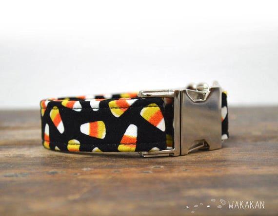 Candy Corn dog collar adjustable. Handmade with 100% cotton fabric. Hallowen style. Glow in the dark. Wakakan