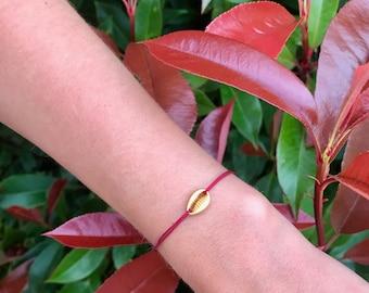 Gold shell & link bracelet