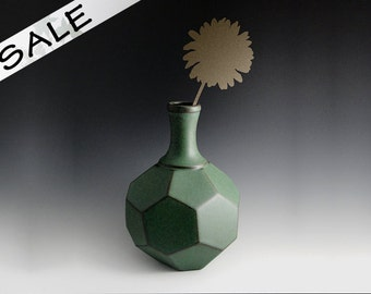 Flower Vase: TGF-005 Reitz Green