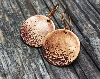 Minimalist copper Comet round earrings