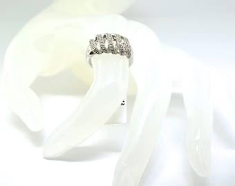 14k White Gold Ladies Diamond Ring. Size 6.5