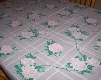 Wilendur vintage white and pink roses tablecloth