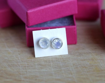 925 Sterling silver stud earrings with 8 mm faceted Rainbow Moonstone