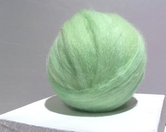 Mint Green Wool Roving, Needle Felting, Spinning Fiber, light green, pale green roving, mint roving, Saori weaving