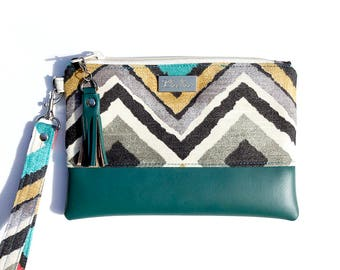 50% off Like a Diamond Teal Green Vegan Leather Bottom Wristlet fits iPhone 10, X, 8, 7, 6 Plus Samsung Galaxy S8 plus Card Holders
