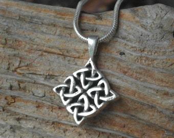 Vintage Sterling Silver Celtic Knot / Twist Pendant / Necklace
