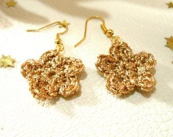 Earrings color gold crochet