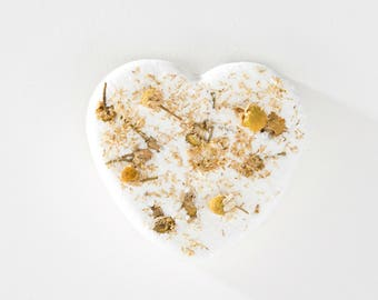 Honey Chamomile Heart Bath Bomb / Bath Fizz / Bath Fizzy / Bath Fizzie / Natural Bath Bomb / Natural Bath Fizzie / Bath gift for her