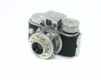 Hit subminiature spy film camera with film inside