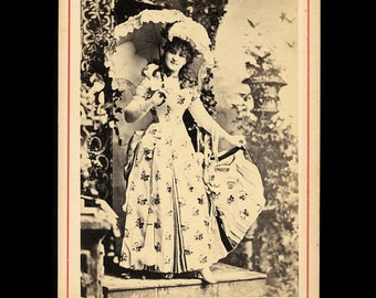 1894 Newsboy Tobacco Card Photo Actress & Opera Singer Annie Pixley Died in 1893