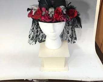 Day of the Dead Skull & Roses Women's Hat