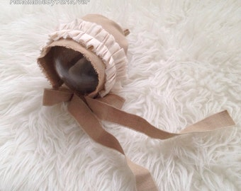 READY TO SEND!!!Vintage style Bonnet - Newborn Photography Props- Baby cotton hat