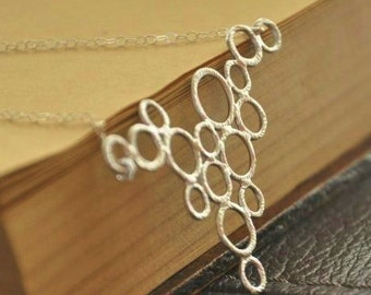 Modern Necklace- Silver Circles Necklace, Dainty Necklace, Unique Necklace, Silver Necklace, Geometric Necklace, Avant Garde Jewelry