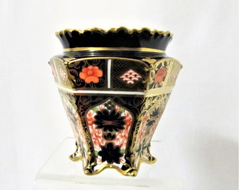 Royal Crown Derby Hexagonal, footed, Imari Vase, C1916,  Beautiful Antique piece in perfect condition