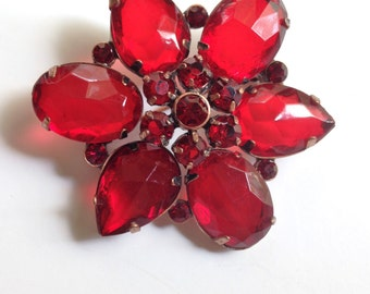 Red Prystal Bakelite Rhinestone Brooch Brooch Domed Brooch Vintage Rhinestone Pin 40s Copper Brooch