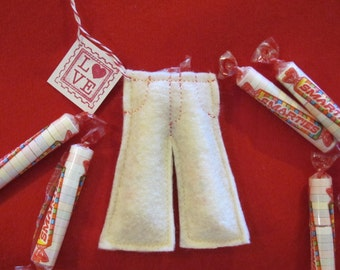 Smartie Pants Favors - Felt Craft - PDF Pattern file - Great for Valentines, Classroom Treats, etc.