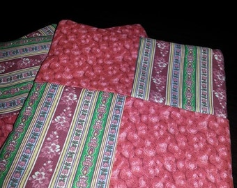 Quilted Set of 2 Cherry Floral Pot Holders/Trivets