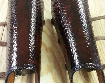 Leather Armor Short Hardened Greaves