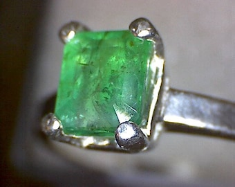 Beautiful Colombian Emerald Ring