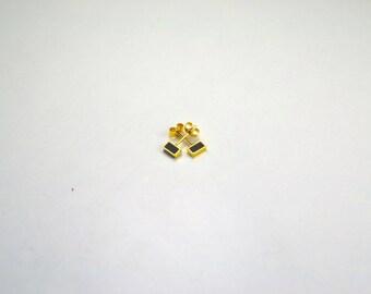 Gold/Black or Gold/White Earrings