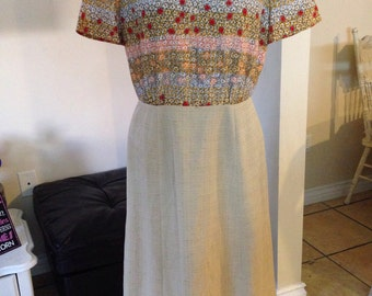 Vintage 1970's Rounded Collar Tiny Flowers Mad Men Retro Dress