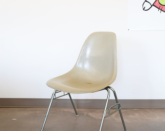 Sold *** Vintage Tan, Herman Miller Eames Shell Chair with Stacking Base