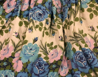Sweetheart half Apron cheerful blue and pink color roses