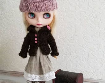 Chocolate Brown Wool Sweater for Blythe- pink buttons, flower  button, Hand Knit Doll Clothing