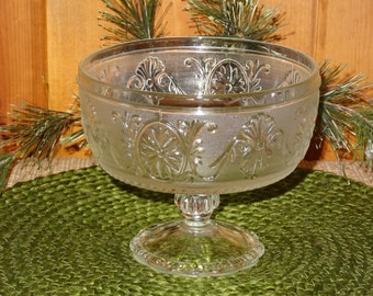 Pressed Glass Footed Bowl / Pressed Glass Compote / Vintage Glass Bowl