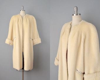 Reserved: SALE 50% OFF 40s Coat // 1940s Ivory Faux Fur coat w/ Silk Crepe Lining // Medium