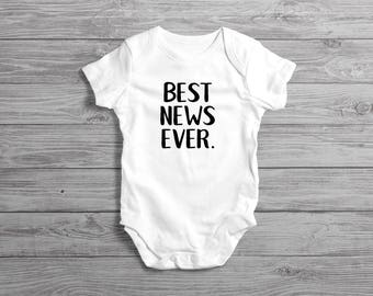 We're Expecting Onesie // Baby Arriving Onesie // Baby On The Way // Pregnancy Reveal // Pregnancy Announcement // New Baby Reveal Onesie
