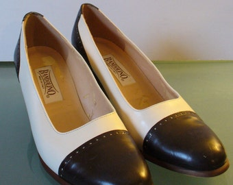 Made in Italy Cream & Brown Bandolino Captoe Spectator Pumps Size 7M US