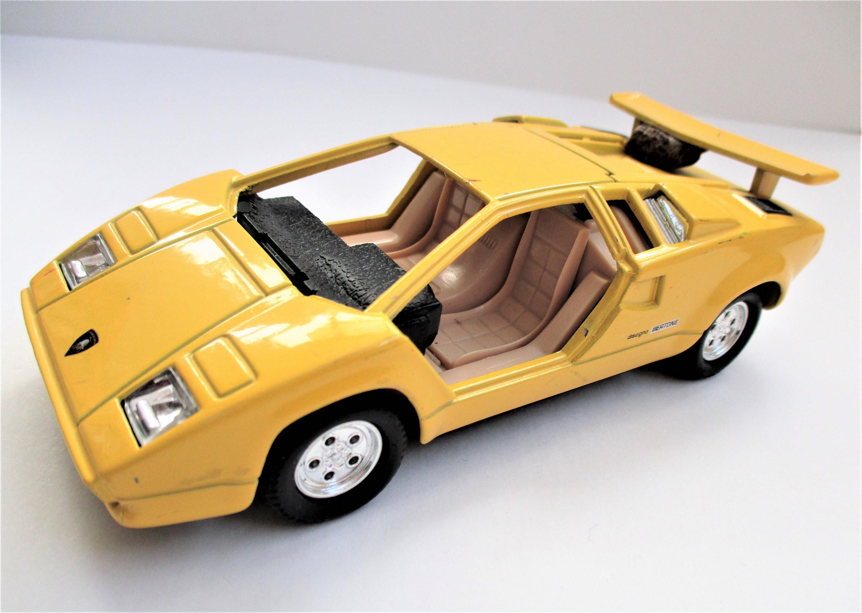Yellow Lamborghini SS 5723 Countach Bertone Yellow Toy