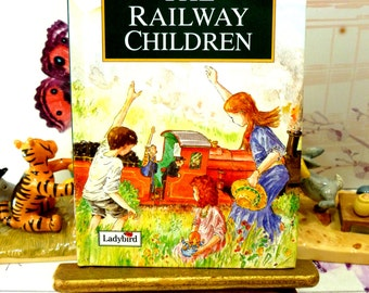 The Railway Children Vintage Ladybird Classics Book by E Nesbit with Glossy Covers First Edition 1994