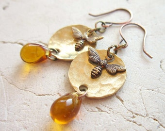 Honey Bee Earrings. Hand Hammered Honey Amber Earrings. Amber Glass Dangle Earrings. Honey Bee Jewelry. Amber Jewelry. Gift for Bee Lovers