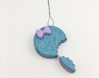 Blue Sparkle Oreo Necklace - Oreo Cookie Necklace - Girly Necklace - Fake Food Jewelry - Kids Jewelry - Kawaii Jewelry - Sparkle Necklace -