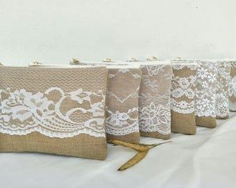 Set of 6 bridesmaid gift /Bridal wedding /burlap lace clutch/  bridesmaid Gift idea /wide lace design /burlap clutch
