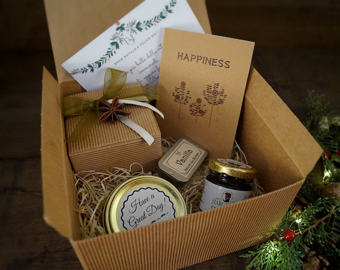 Sweetness gift box, for kitchen lovers, honey chocolate, vanilla lip balm, yummy scented candle, Christmas gift sweet friend, mom, grandma