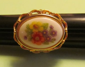Vintage Avon French Flowers Locket Ring