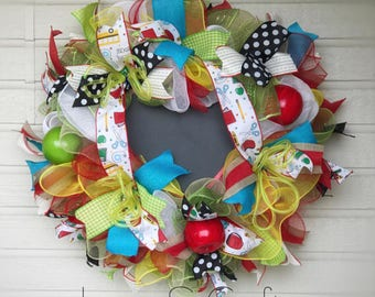 Personalized Teacher Christmas Gift, Classroom Teacher Wreath with Chalkboard sogn, Teacher Appreciation Gift, Back to School Teacher Gift