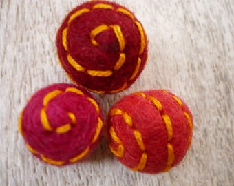 set of felted wool beads, embroidered, wool bead, Pearl wool.