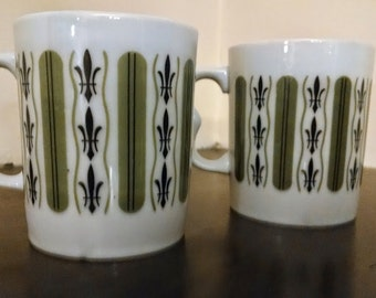 Pair of vintage 1970's coffee mugs