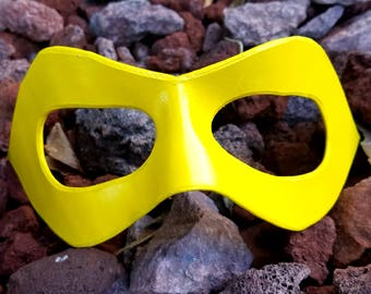 READY TO SHIP - Yellow Pointed Domino Mask - Pointed Edge Molded Leather Mask - Superhero Costume Mask