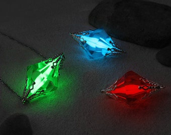 Glow in the Dark Kryptonite Necklace, Meteor Necklace, Superhero, Green, Red, Yellow, & Blue Kryptonite, Geekery Gift, Cosplay Necklace