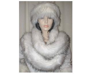 Faux fur long scarf (throws)