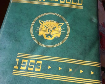 Sonora California 1953 Sonora Union High School Yearbook Green and Gold