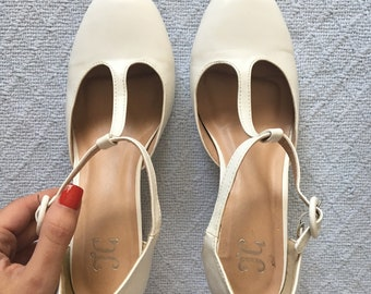 Vintage 90's size 7 white ankle strap high heels