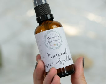 Natural Insect Repellent | natural remedy - herbal remedy - herbal insect repellent - citronella - bug spray - bite spray |