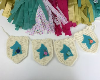 Foxes, Crochet Banner, Crochet Garland, Party Decor Garland, Felt Foxes Banner, Embroidered Flowers, Crochet Fox Banner, Woodland Creatures